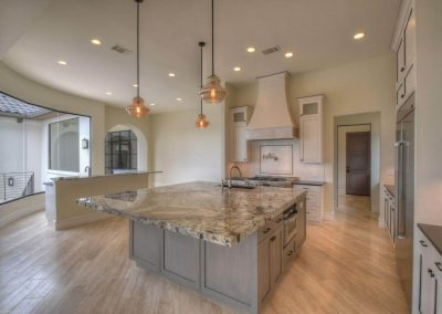 Applehead-Waterfront-Transitional-Kitchen-Island-b…ome-Builders