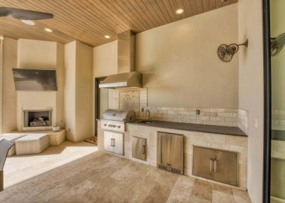 Zbranke-and-Holt-Custom-Homes-Outdoor-Kitchen-Outdoor-Fireplace