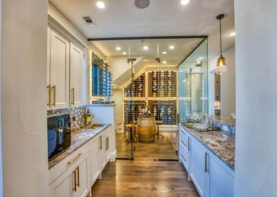 Zbranek-and-Holt-Custom-Homes-Wine-Room-Bar-Glass-Wine-Room