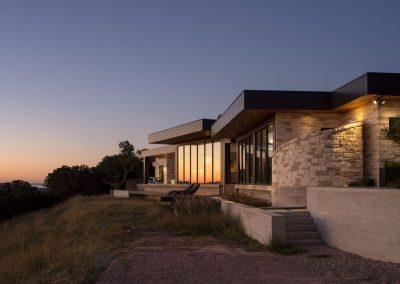 Exterior Rear Elev Twilight Hill Country Contemporary – Casa Tre Cortili by-zbranek-and-holt-custom-homes-luxury-home-builders-austin