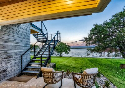 Zbranek-and-Holt-Custom-Homes-Modern-Farmhouse-Lakeside-Sitting-Area-Lake-View